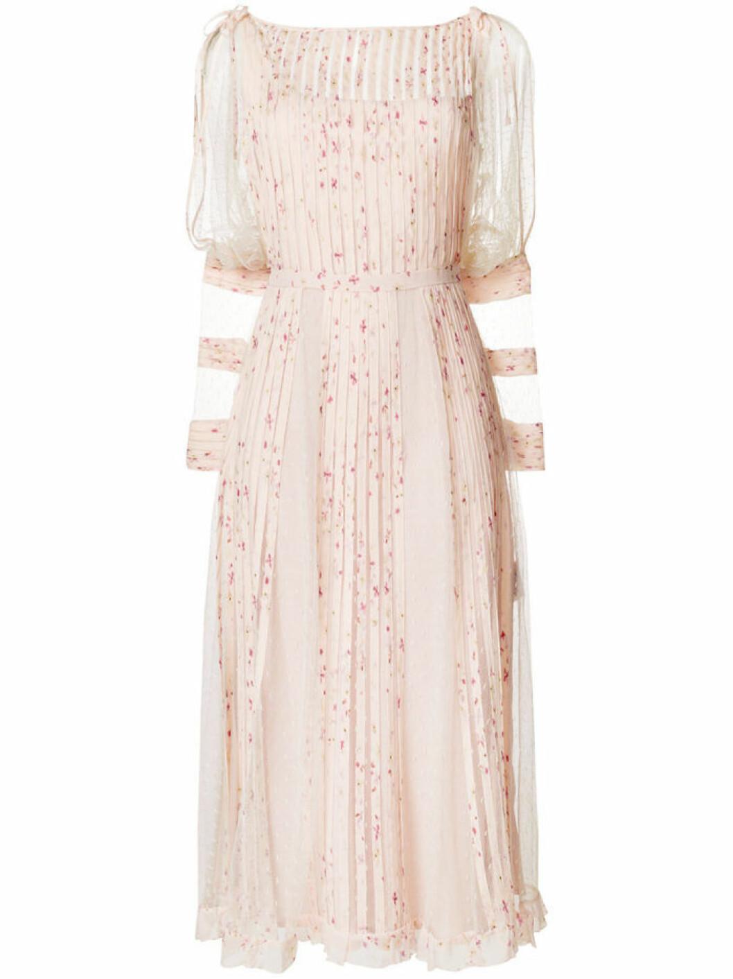 Klänning från Valentino.