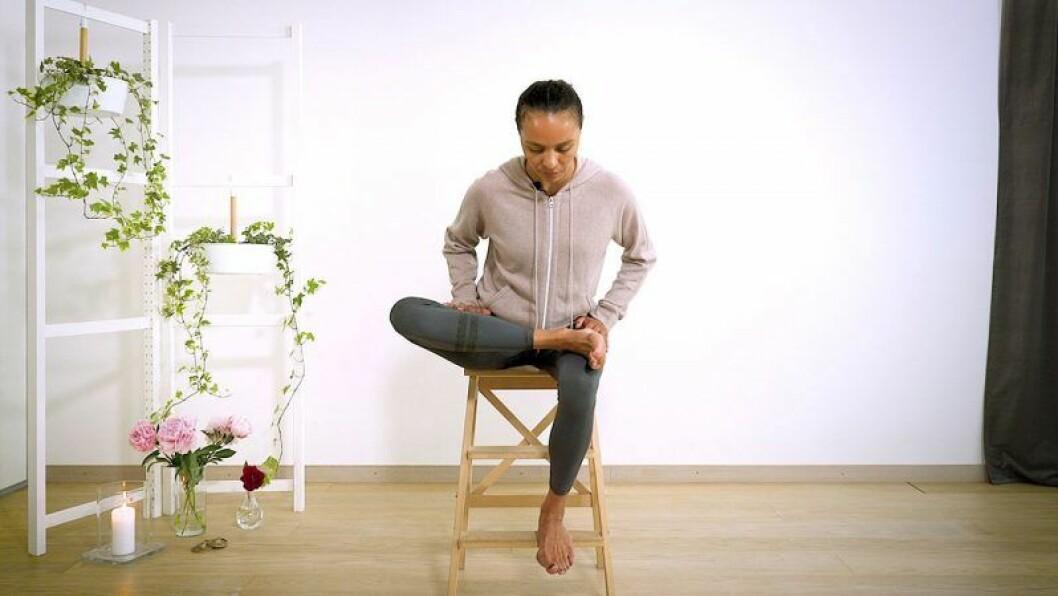 Yoga med Johanna –stretch för sätet.