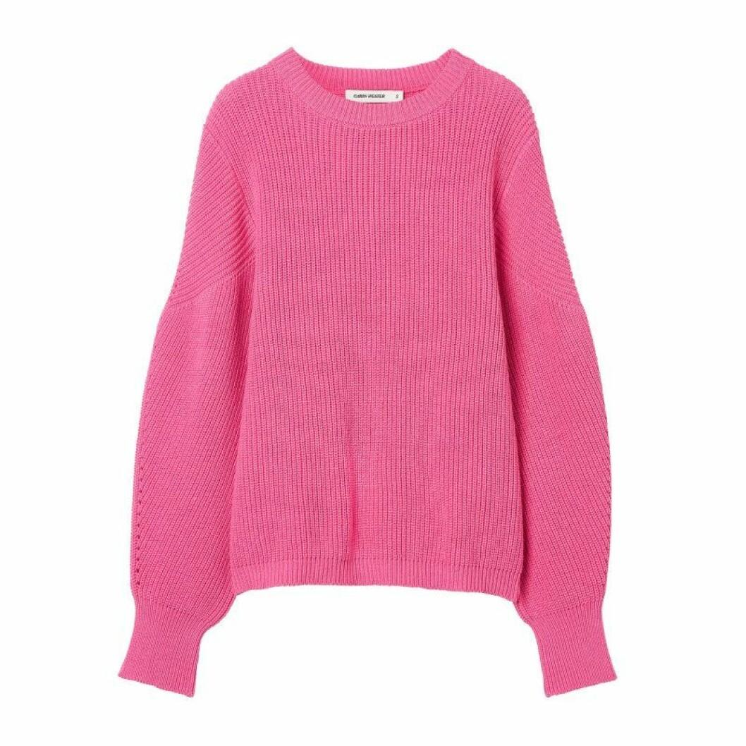 Stickad tröja i rosa från Carin Wester till sommaren 2020