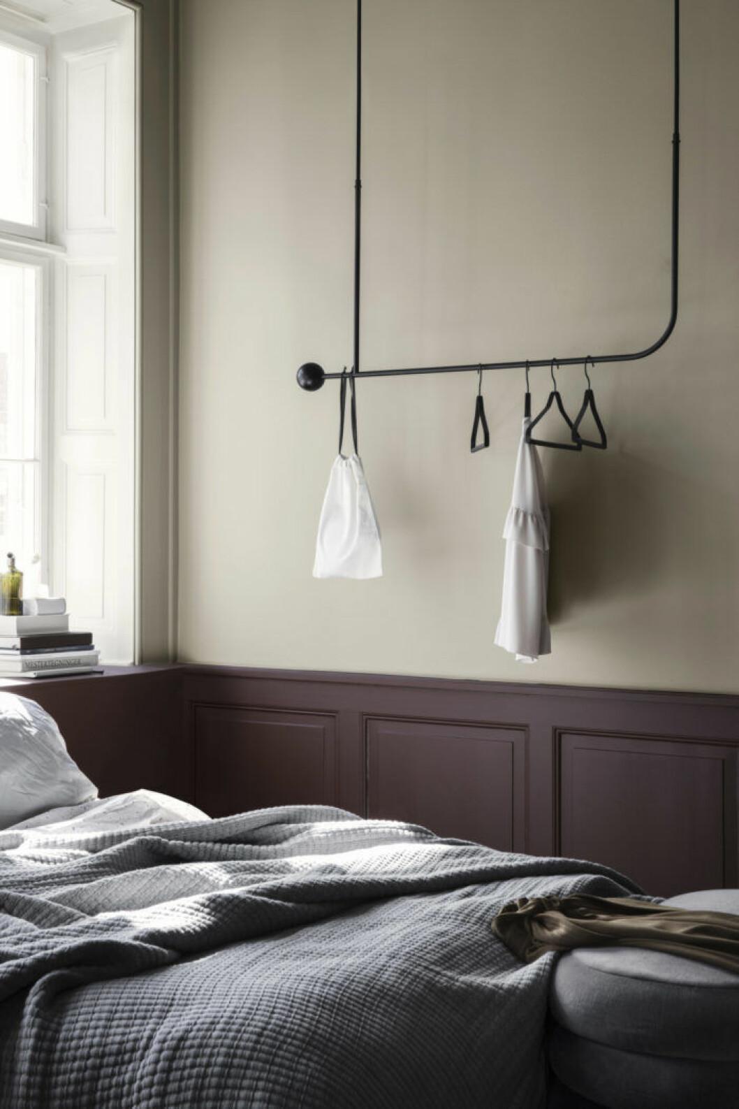 Pujo Hanging Rack från Ferm Living.