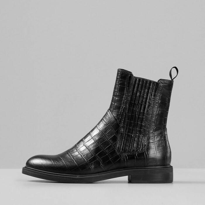 Svarta höga boots