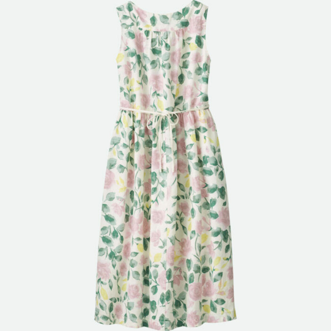 Blommig ärmlös klänning med tunt midjeskärp
