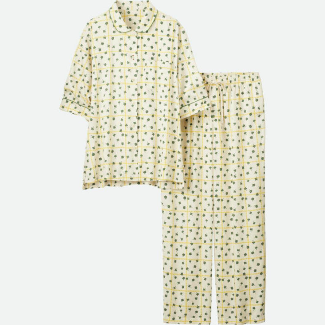 Pyjamasset med skjorta med kort ärm.