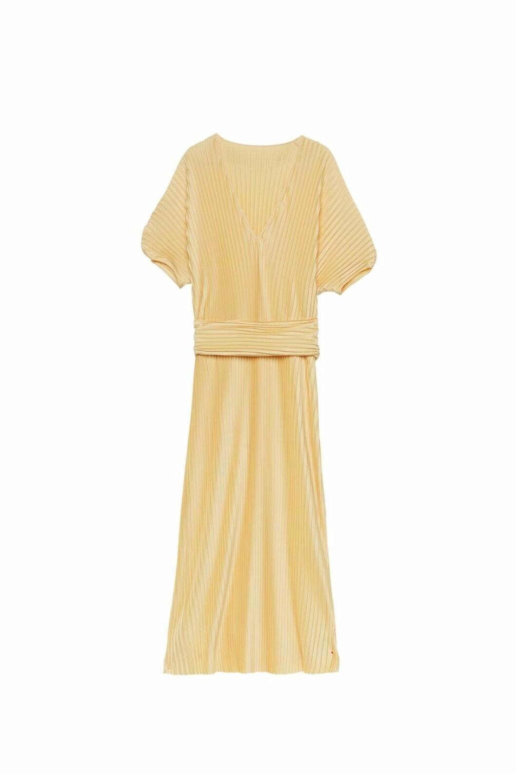 gul klänning stylein