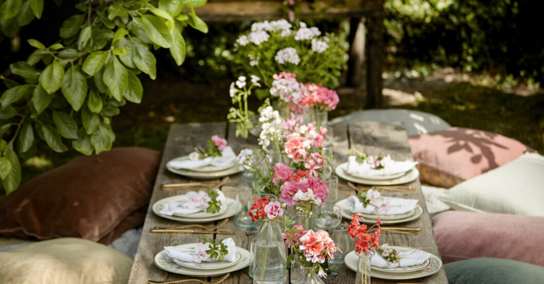 Dukat bord till midsommar