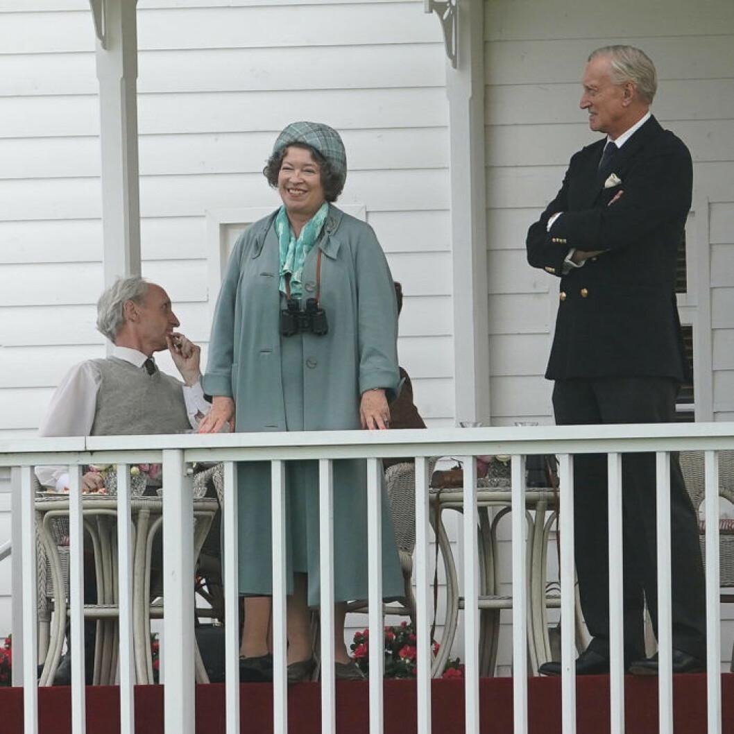 Drottningens mamma i the Crown spelas av Marion Bailey i säsong 3.
