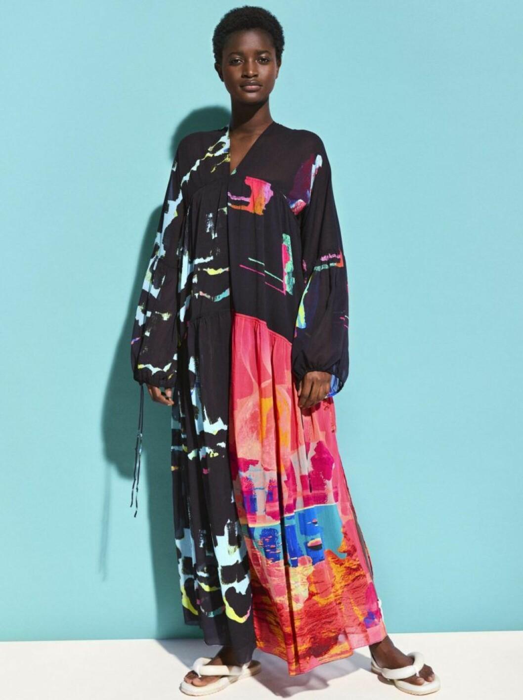 Färgglad klänning H&M Studio SS20