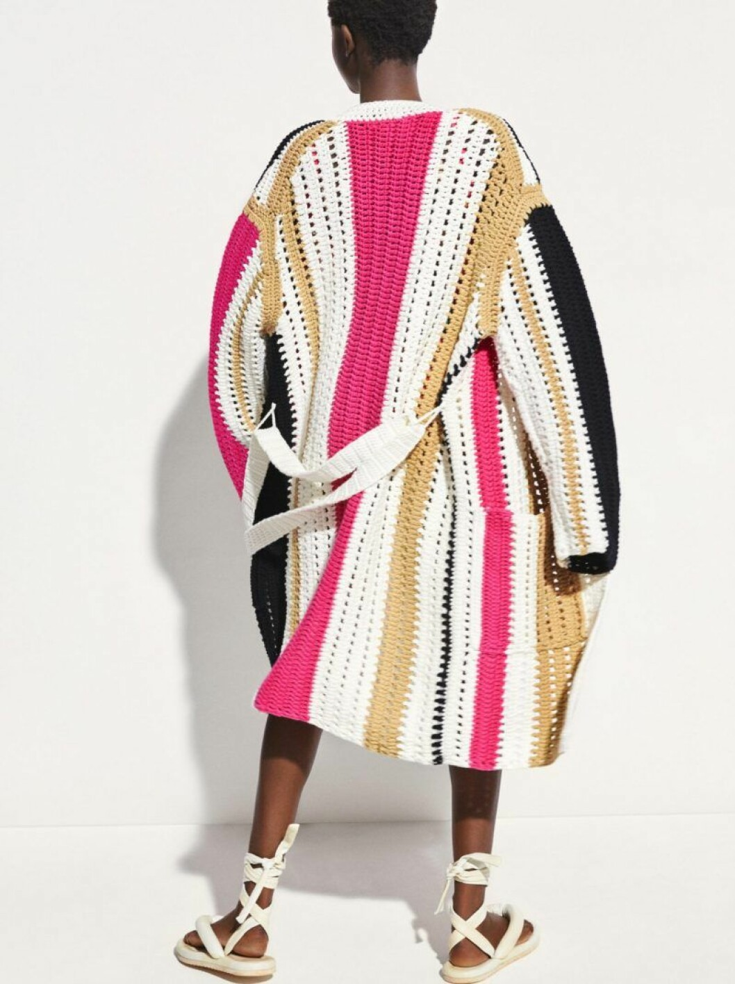 Virkad kofta i rosa, brunt och vitt H&M Studio SS20
