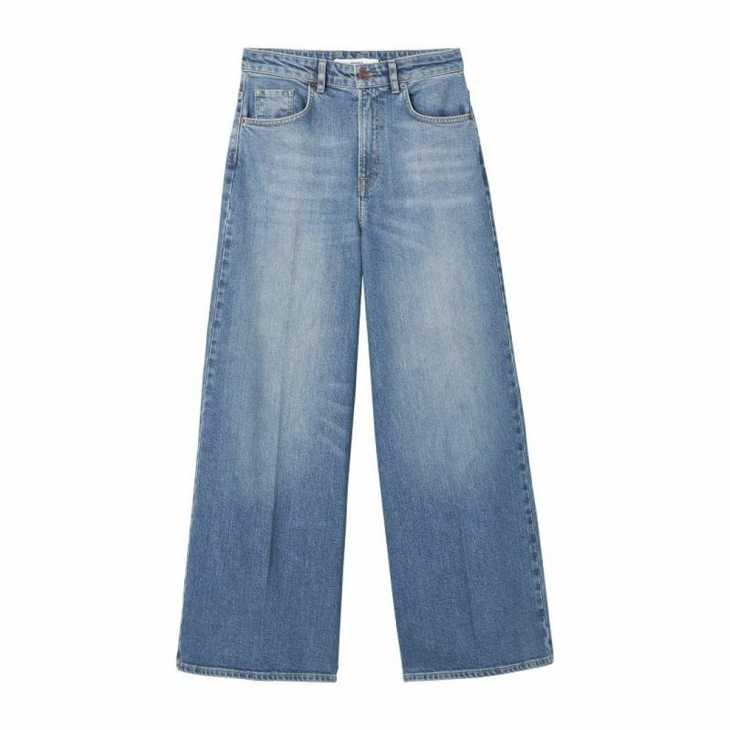 Jeans med utsvängda ben från Carin Wester till sommaren 2020