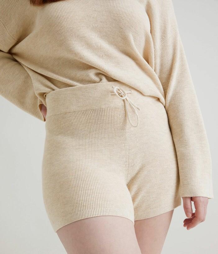 stickade shorts i set
