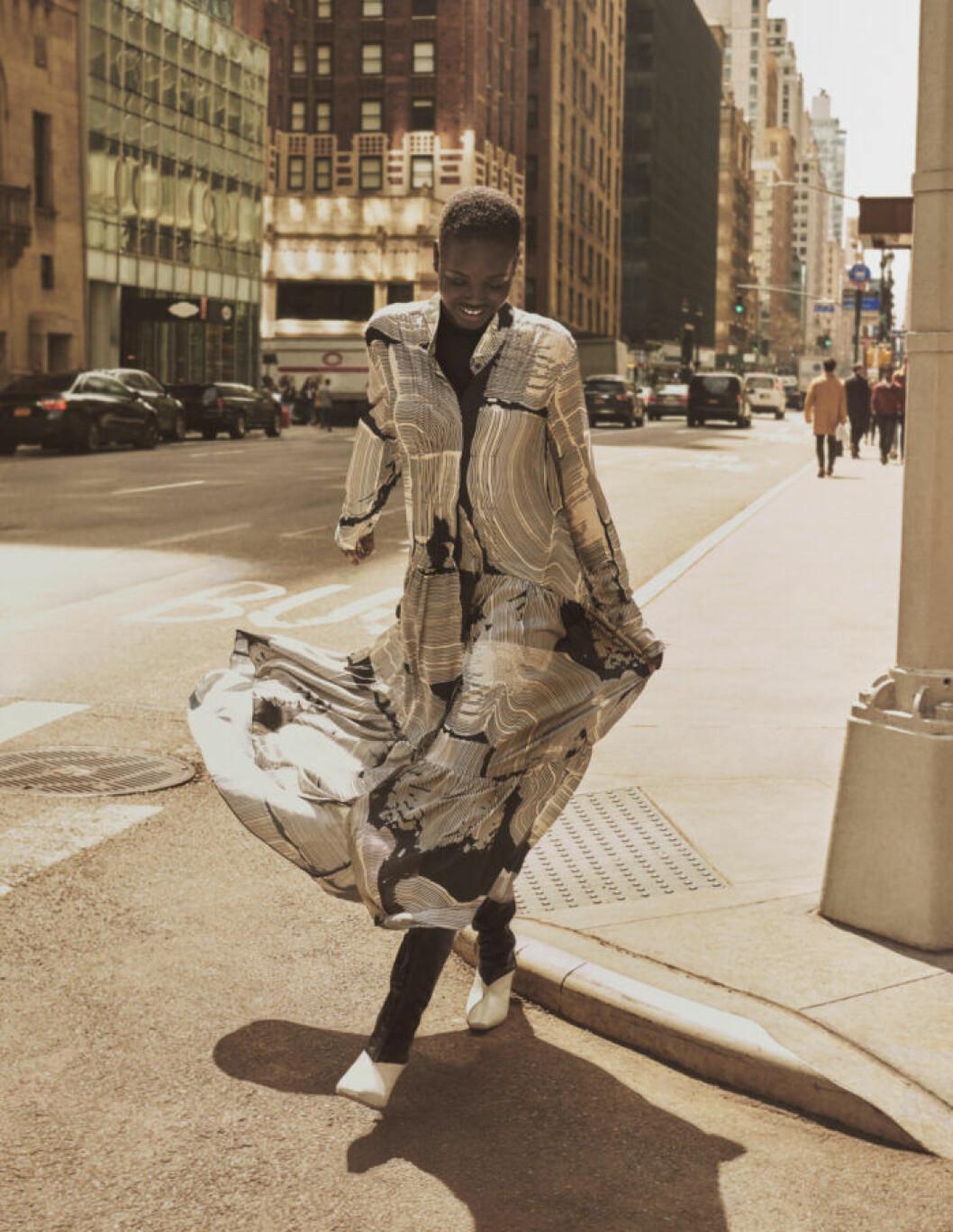 Svartvit maxiklänning från H&M Studios höstkollektion