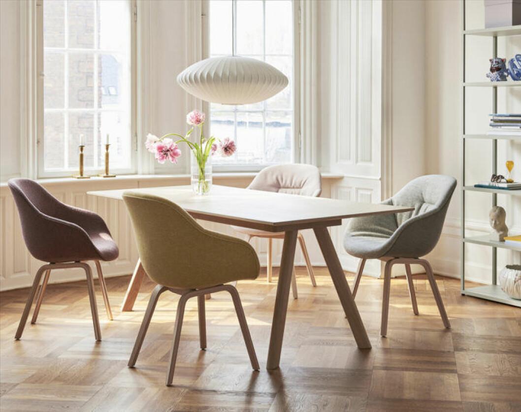 George Nelson-pendel,matbord och stolar från Hay sommaren 2019