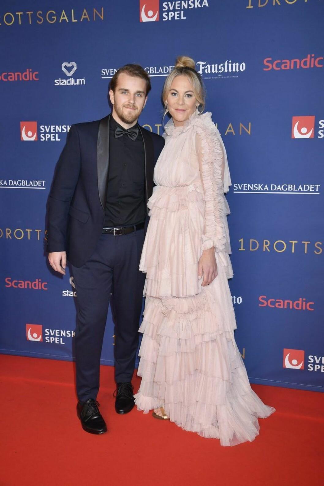 Adam Kjellström och Emma Igelström på röda mattan på Idrottsgalan 2020