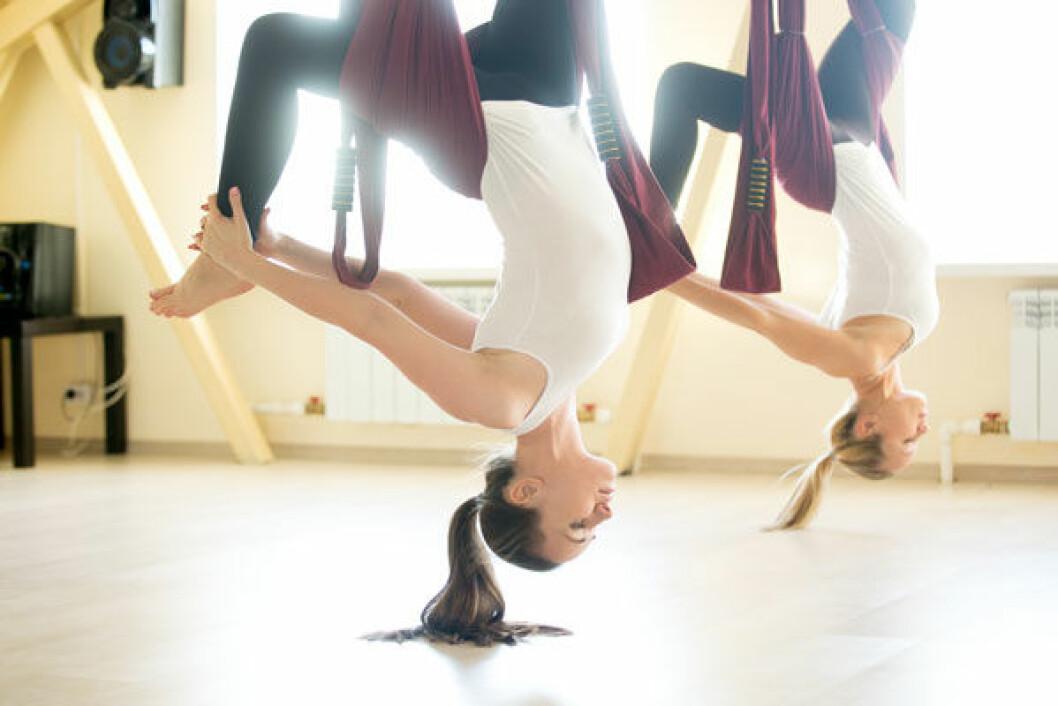 Aerial yoga passar för cirkusprinsessan.