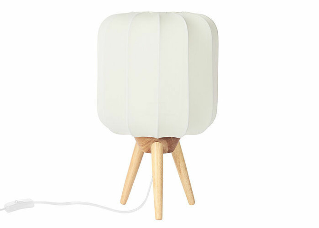 Ava bordslampa från Åhléns vårkollektion 2019