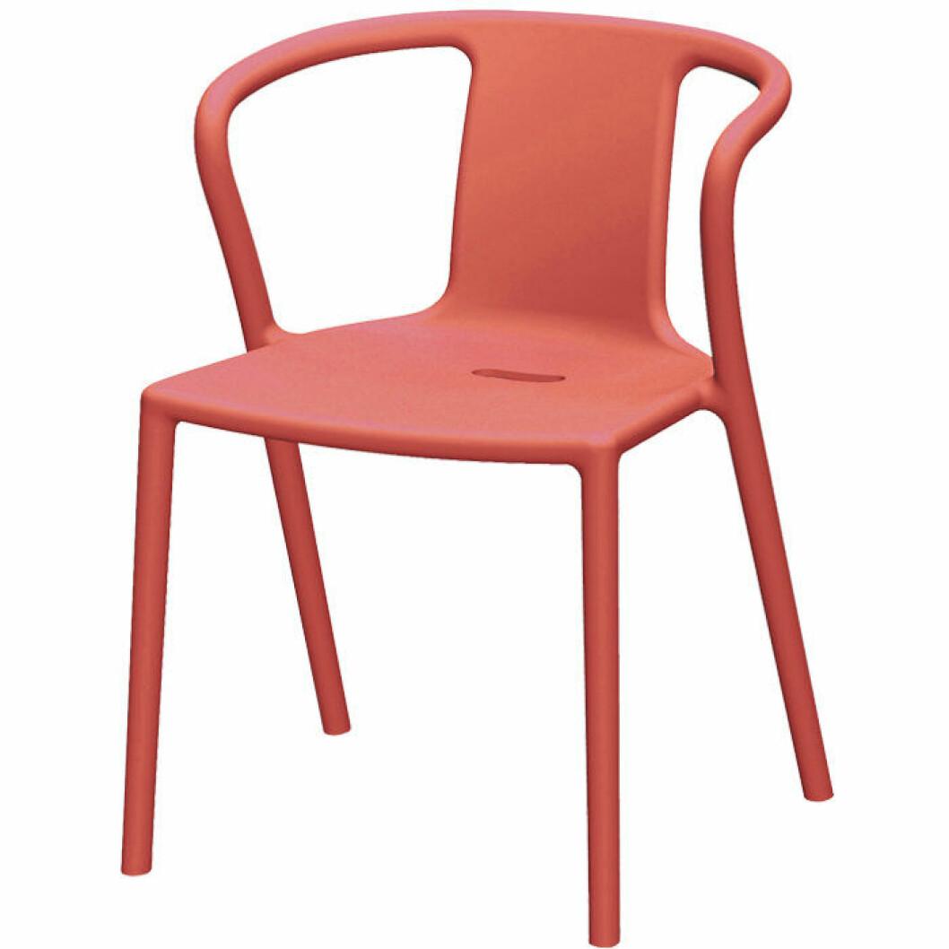 Korallfärgad stol från Magis
