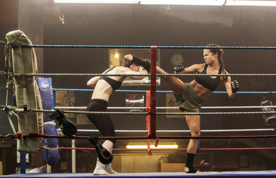 Alicia Vikander i en MMA-match.