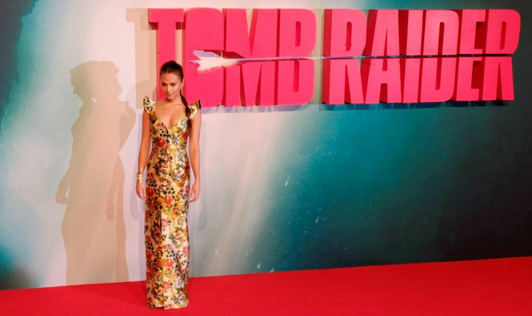 Alicia Vikander på galapremiären för Tomb Raider i London.