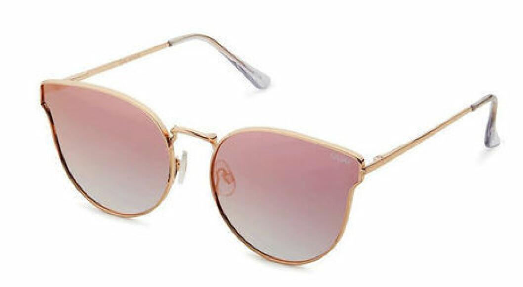 En bild på ett par solglasögon som heter Quay Australia – All My Love.