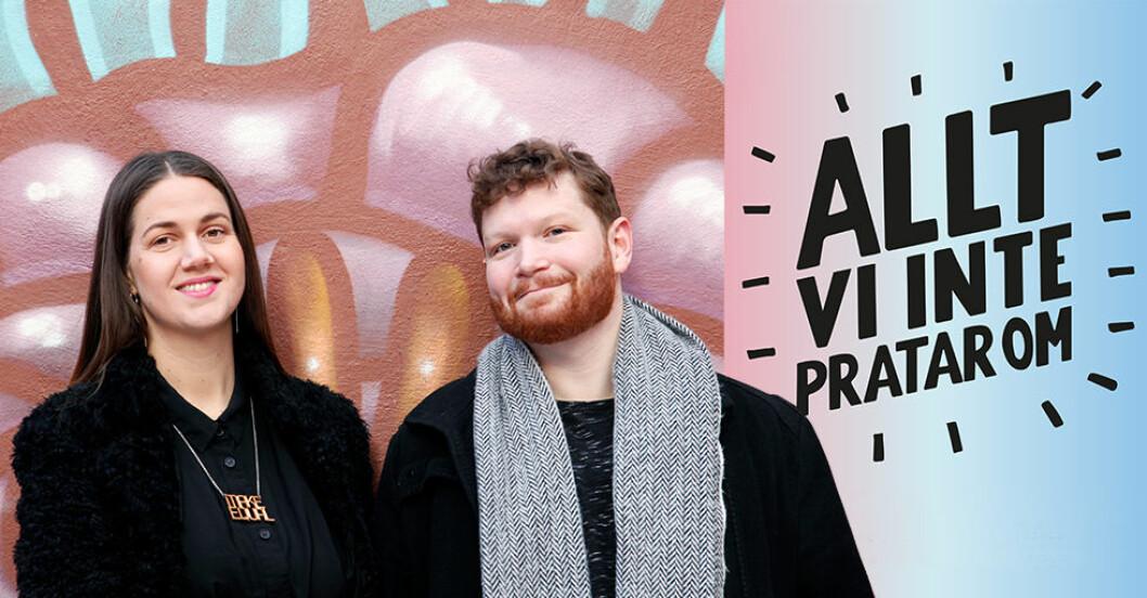 Ida Östensson och Thor Rutgersson, initiativtagare till podden Allt vi inte pratar om, framför grafittivägg.