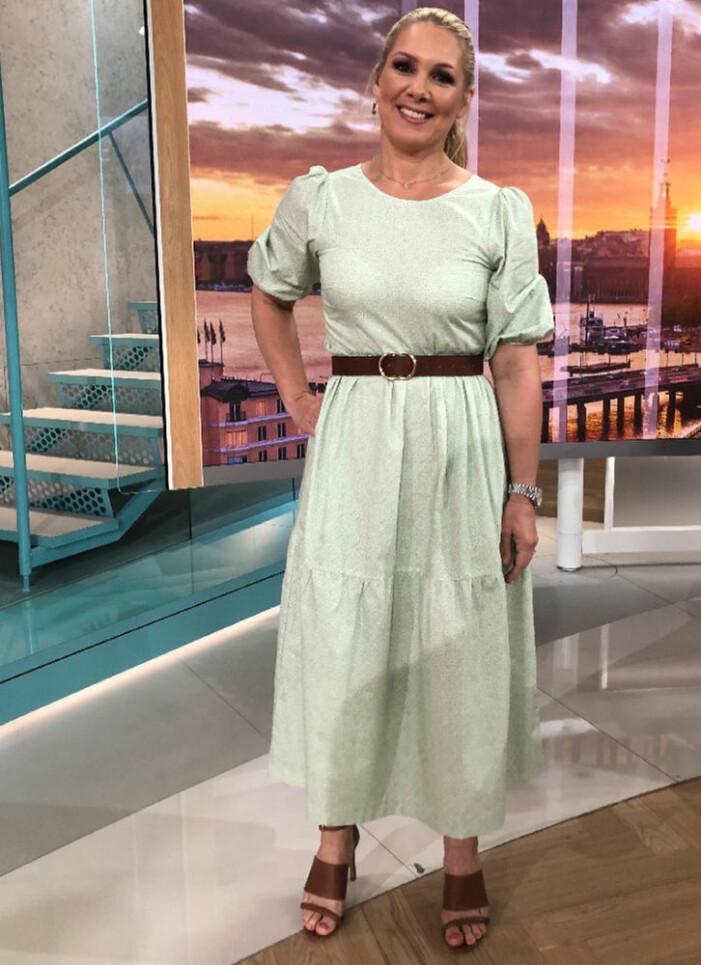 grön klänning anna brolin i efter fem
