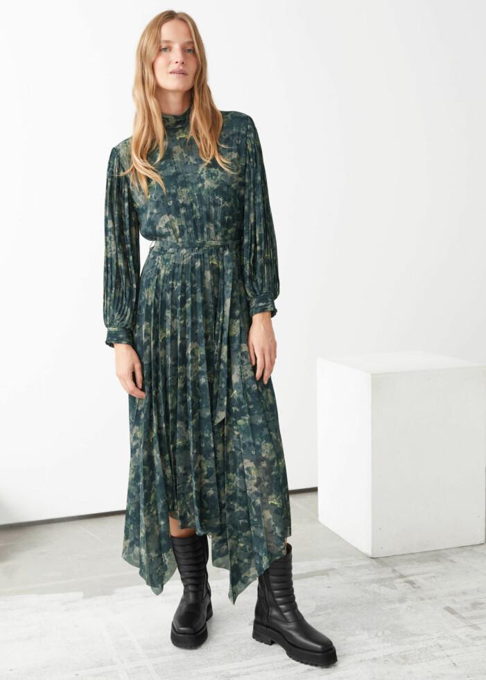 Grön maxiklänning &other stories