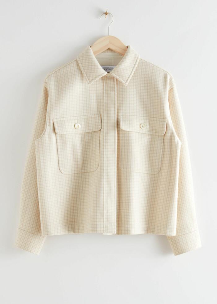Ljus skjortjacka