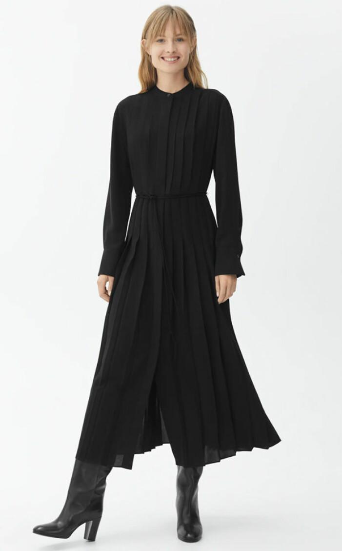 svart klänning från arket