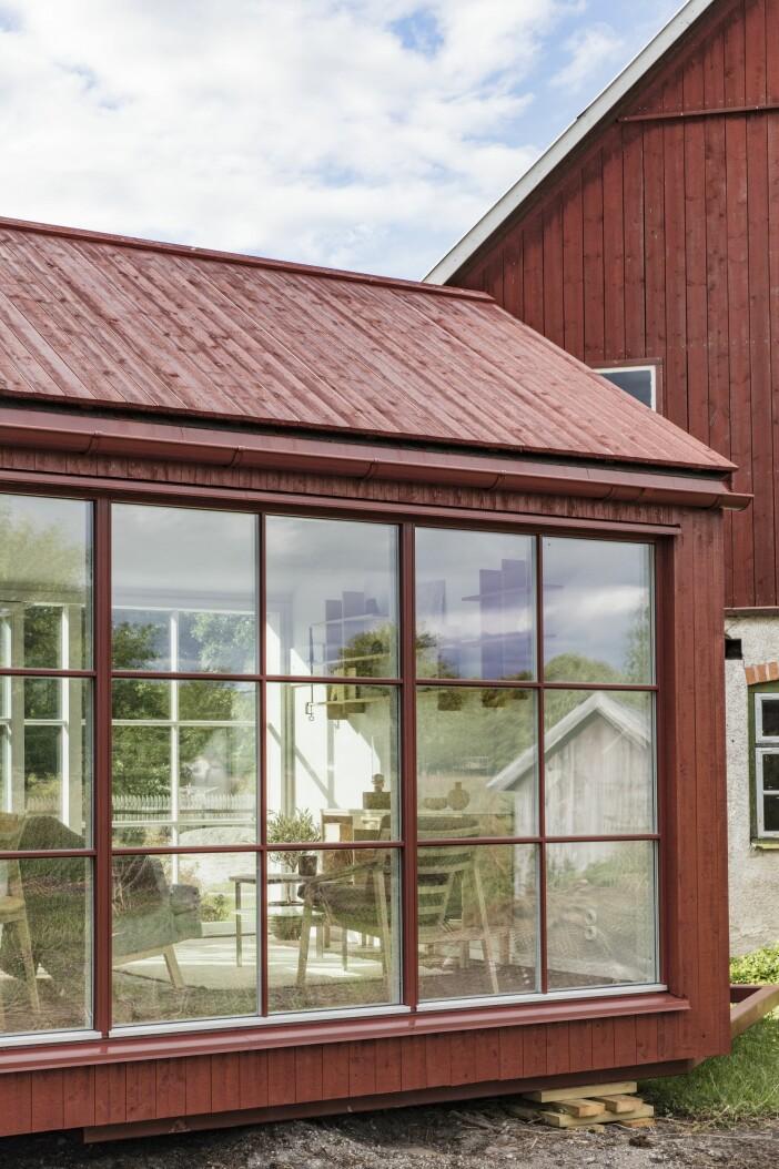 Attefallshus Sommarnöje GAD Gotland fönsterparti trappa
