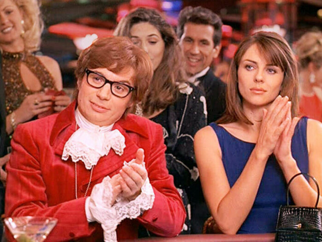 Mike Myers och Elizabeth Hurley i Austin Powers.