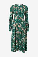 grön blommig midiklänning