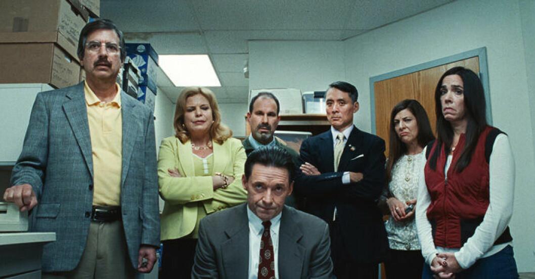 En bild på Hugh Jackman som spelar en av huvudrollerna i filmen Bad Education på HBO.