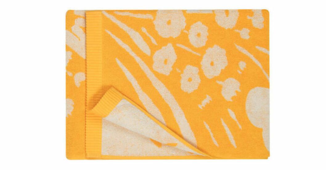 Trendigt blommigt badlakan från Marimekko