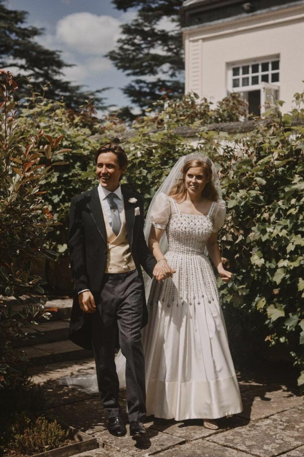 Prinsessan Beatrixe och Edoardo Mapelli Mozzi gifter sig i Windsor