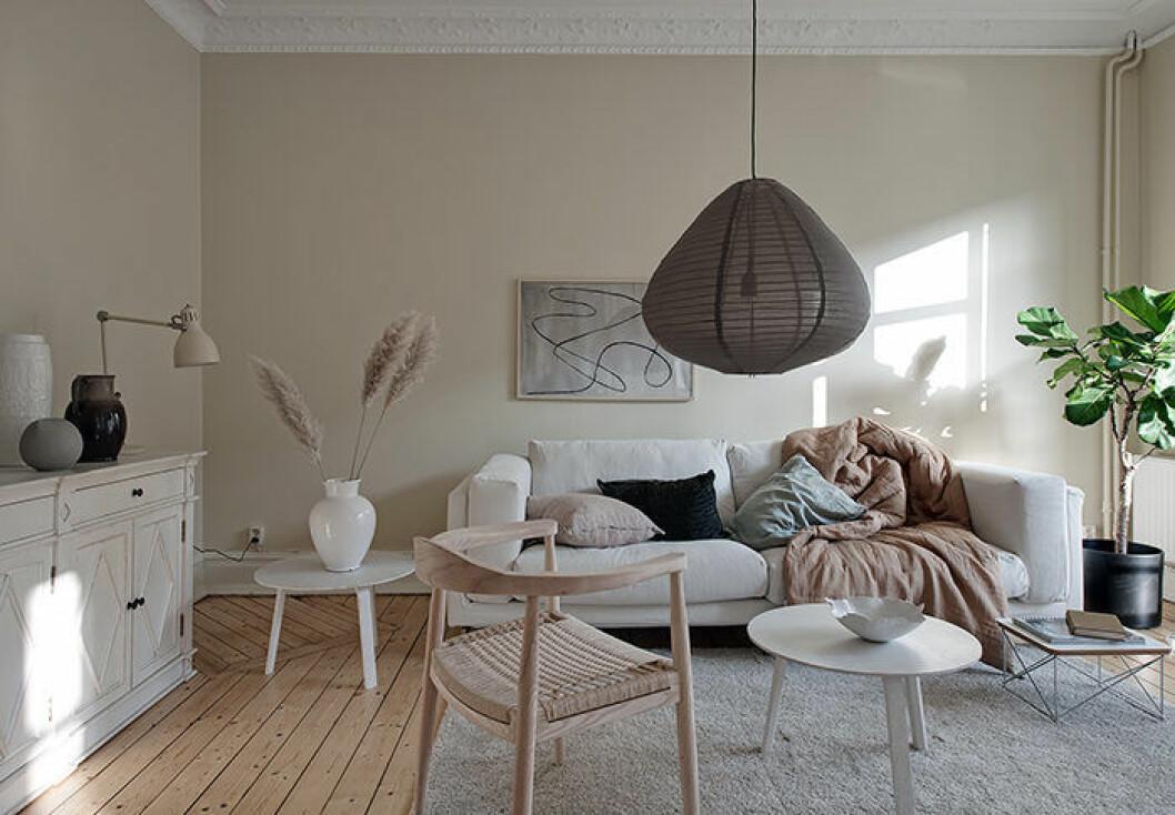 Beige och ljust i den här stilfulla lägenheten i Göteborg