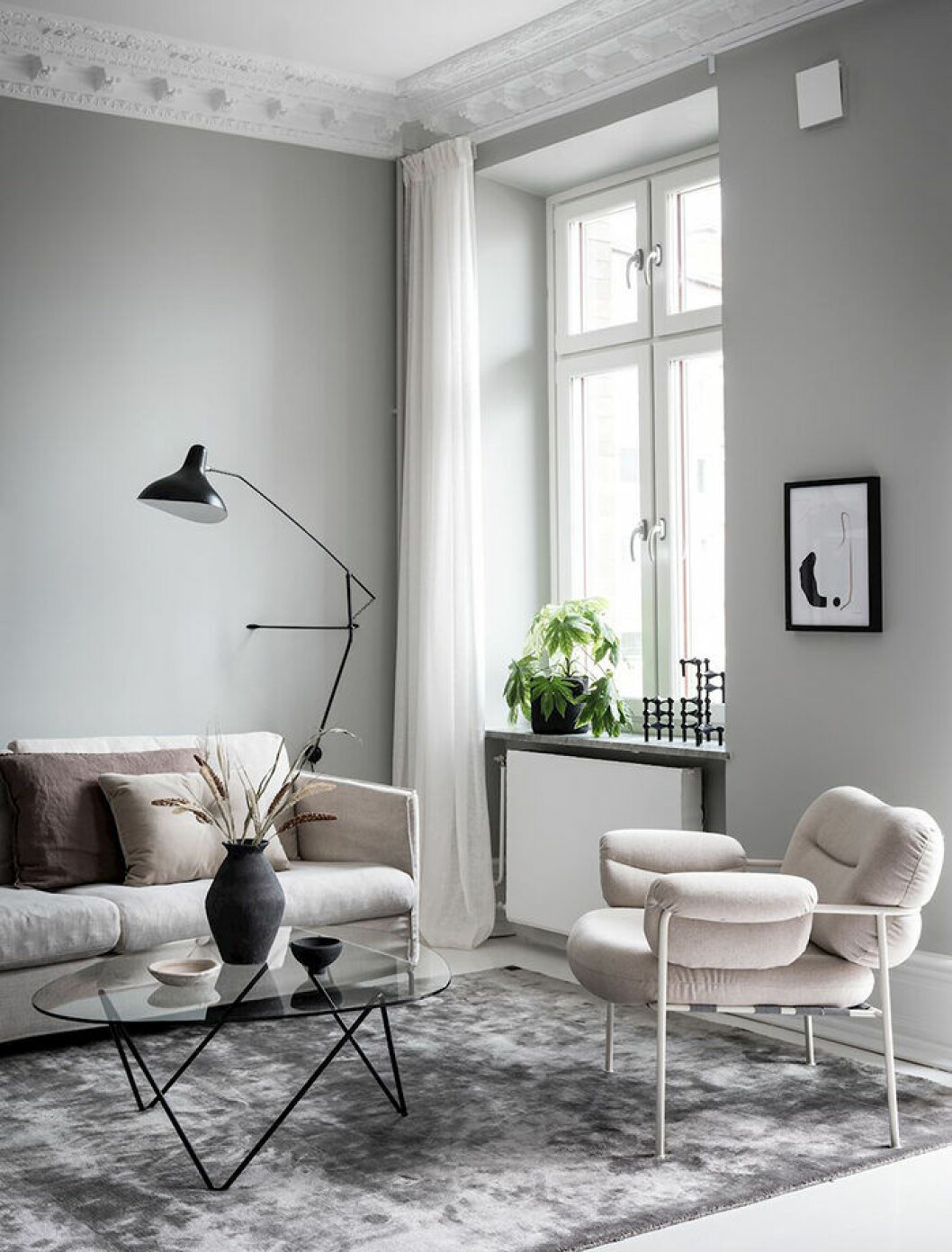 Greige är en fin färg för ljus inredning i hemmet