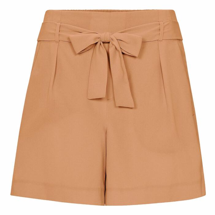 beige shorts med knytning