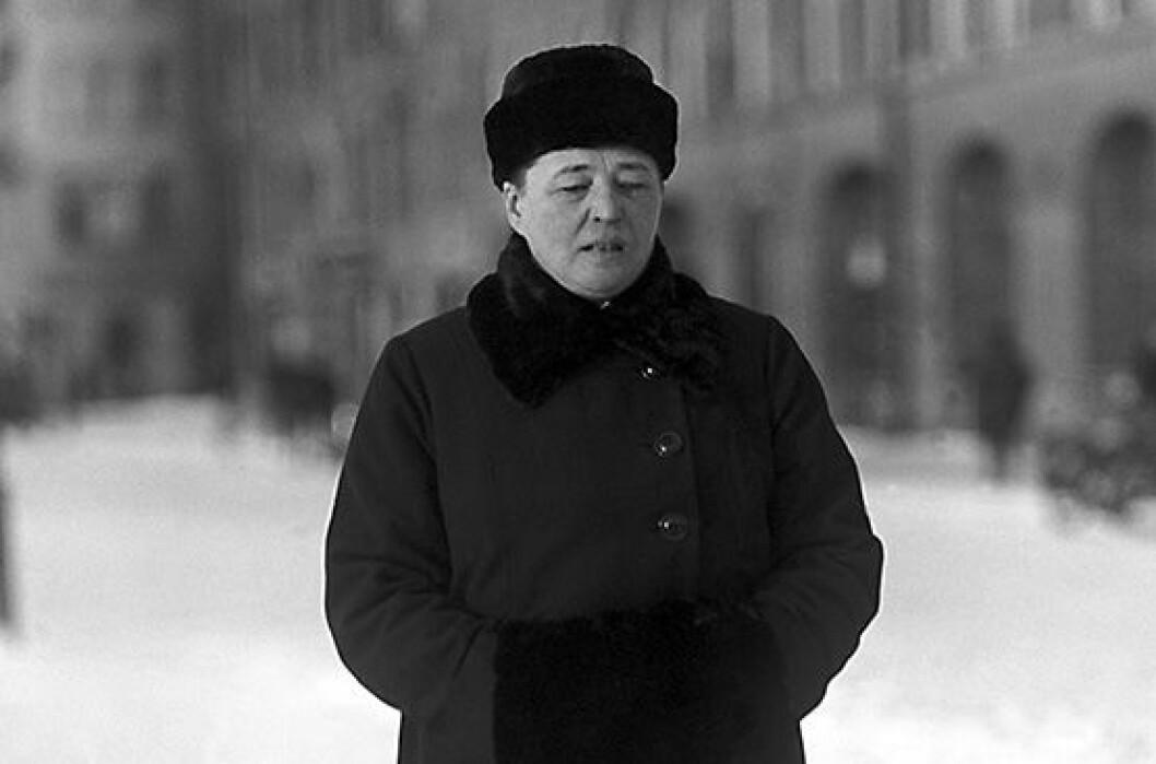 En bild på Bertha Wellin, en av Sveriges första kvinnliga riksdagsledamöter.