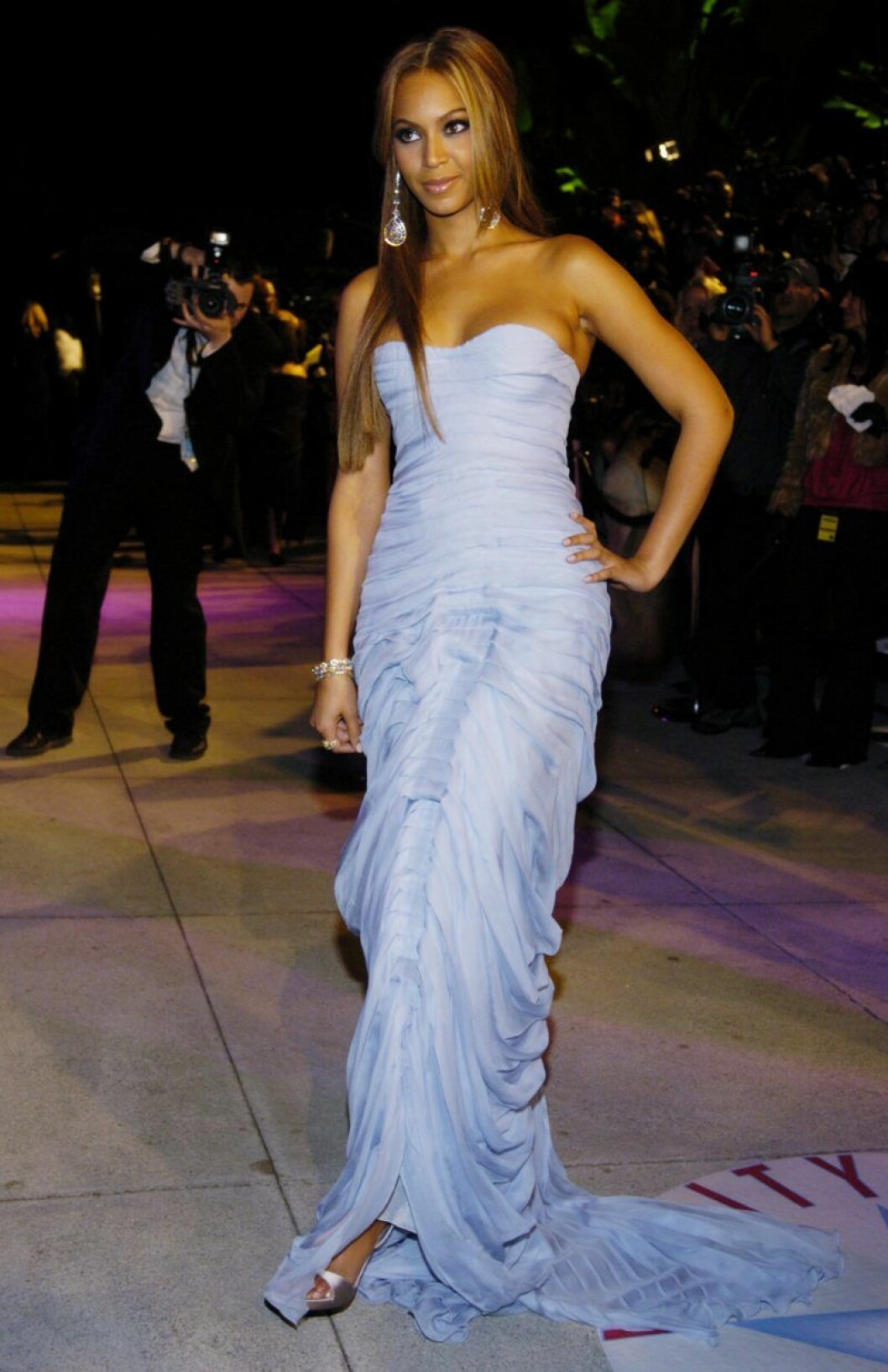 Beyonce i blå klänning