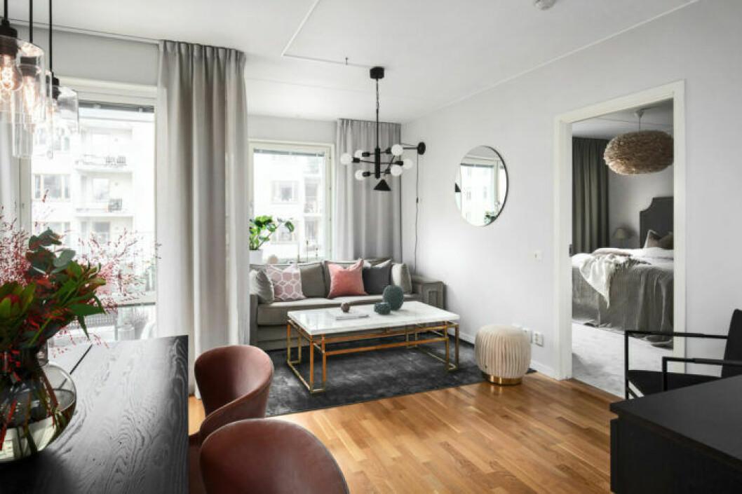 Bianca Ingrosso säljer sin lägenhet, vardagsrum