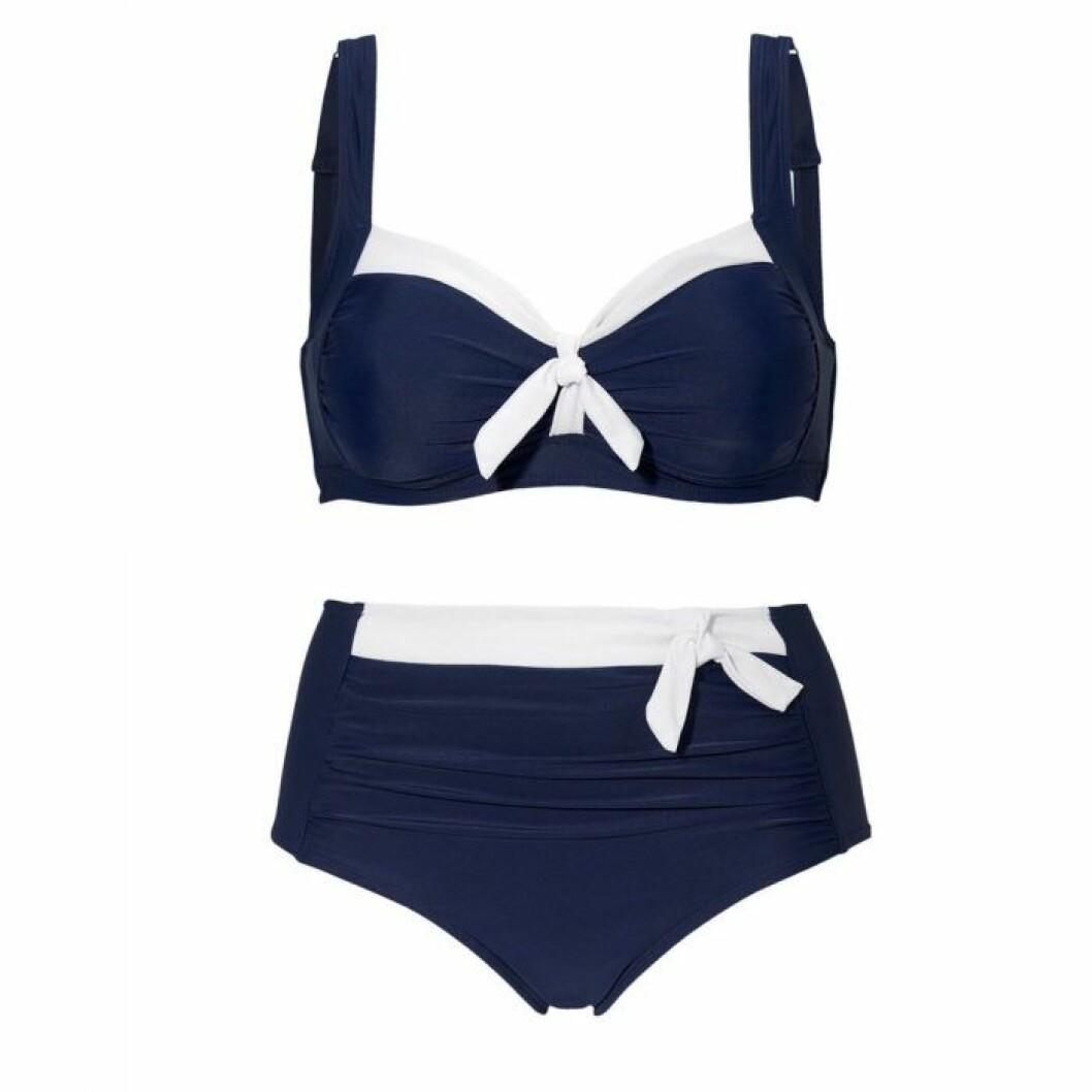 Blå bikini i större storlek