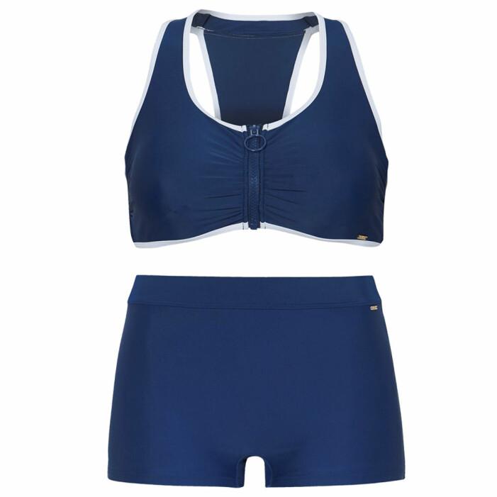 sportig blå bikini med ben
