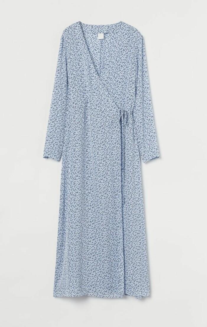 blå omlottklänning från H&M