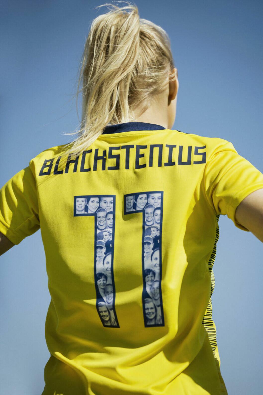 Kvinnliga förebilder på damlandslagets VM-tröja