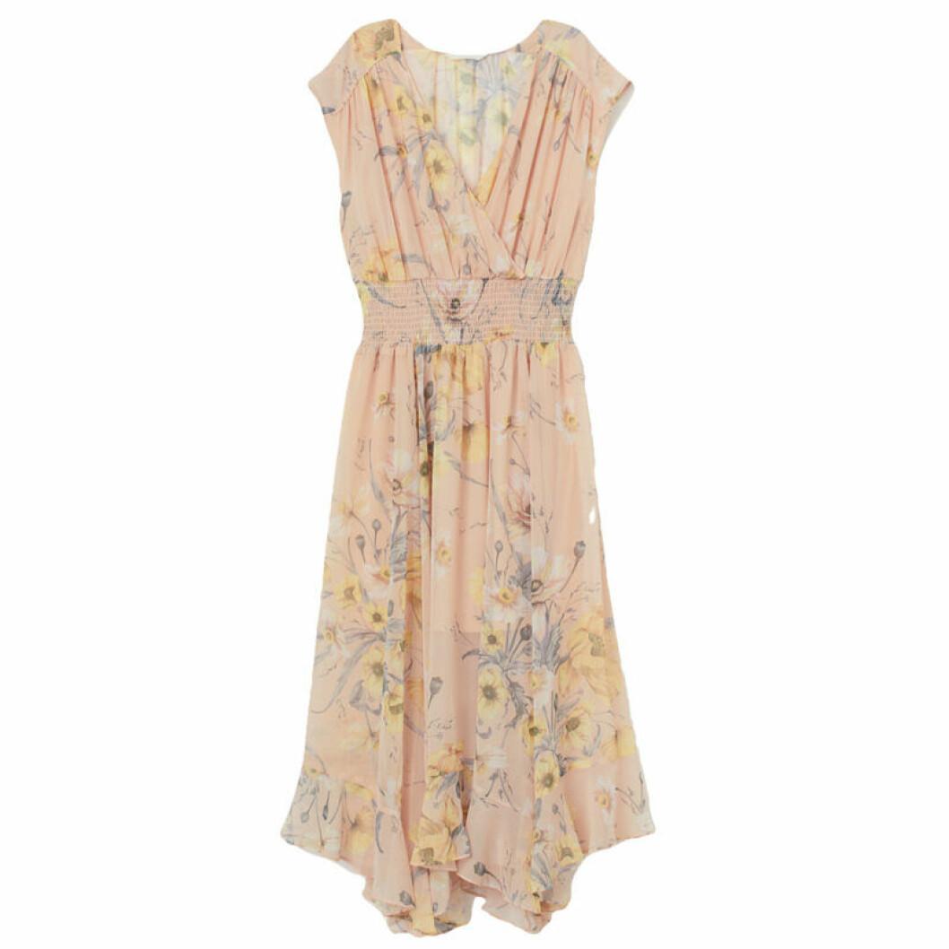 Blommig klänning kostym