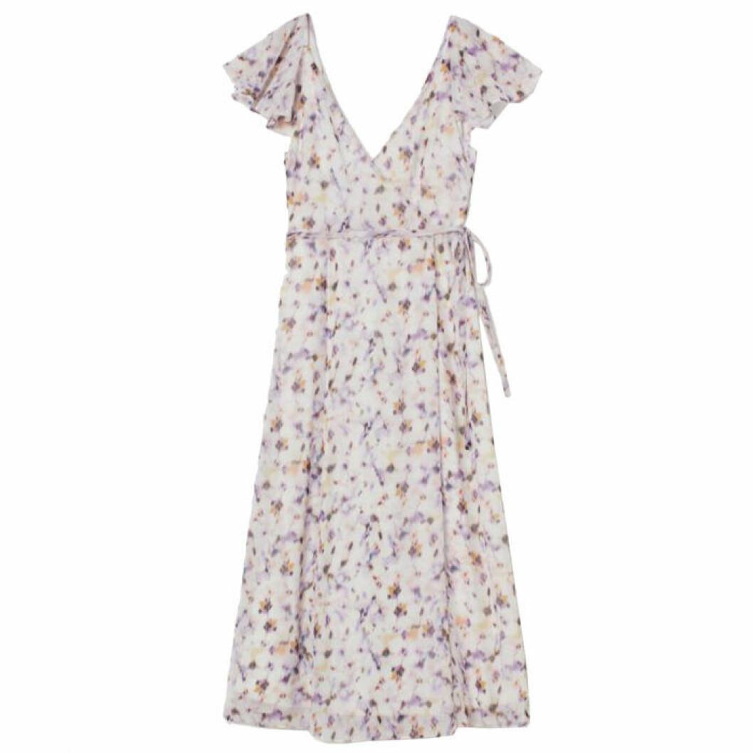 v-ringad långklänning från H&M