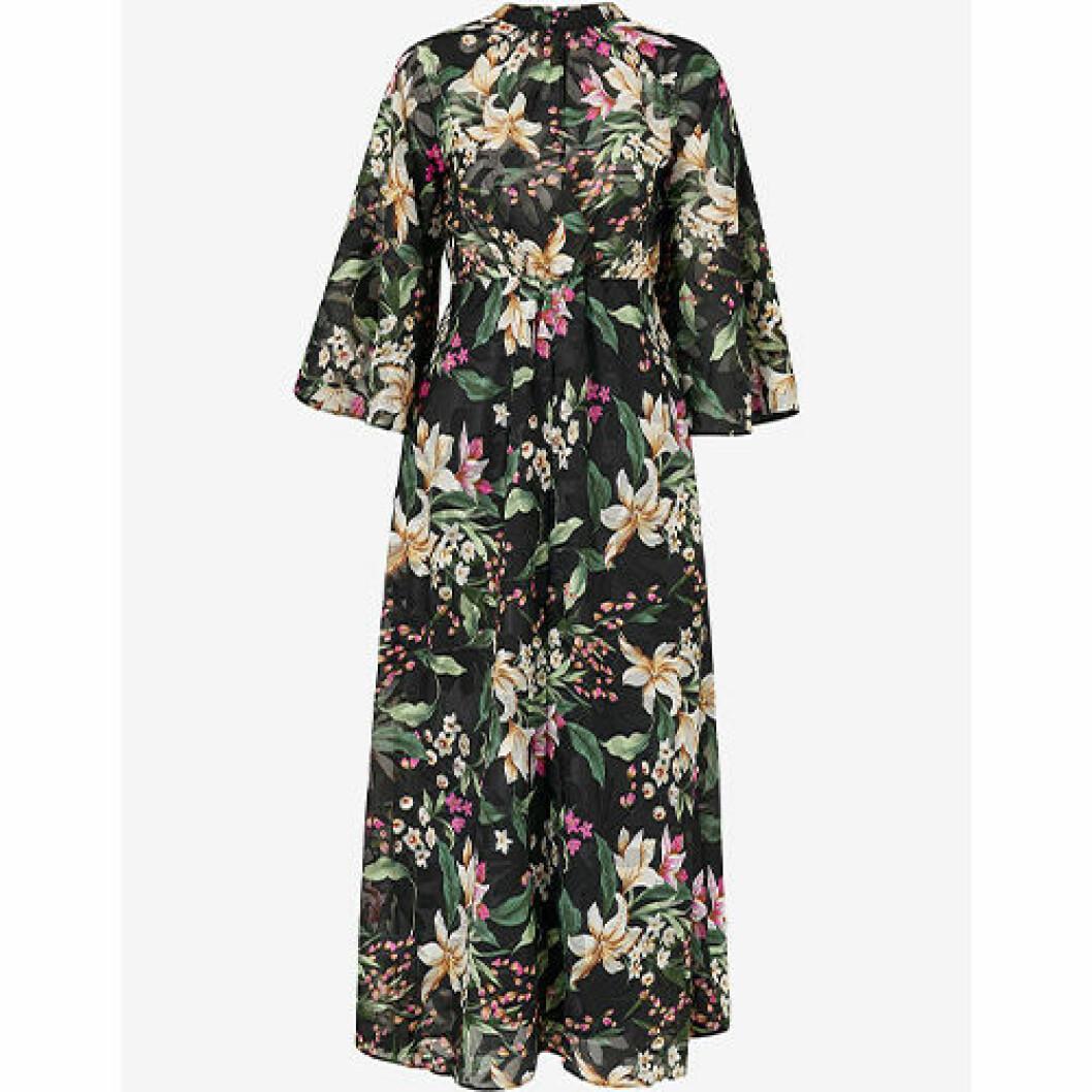 Blommig klänning med blommor i maxidress
