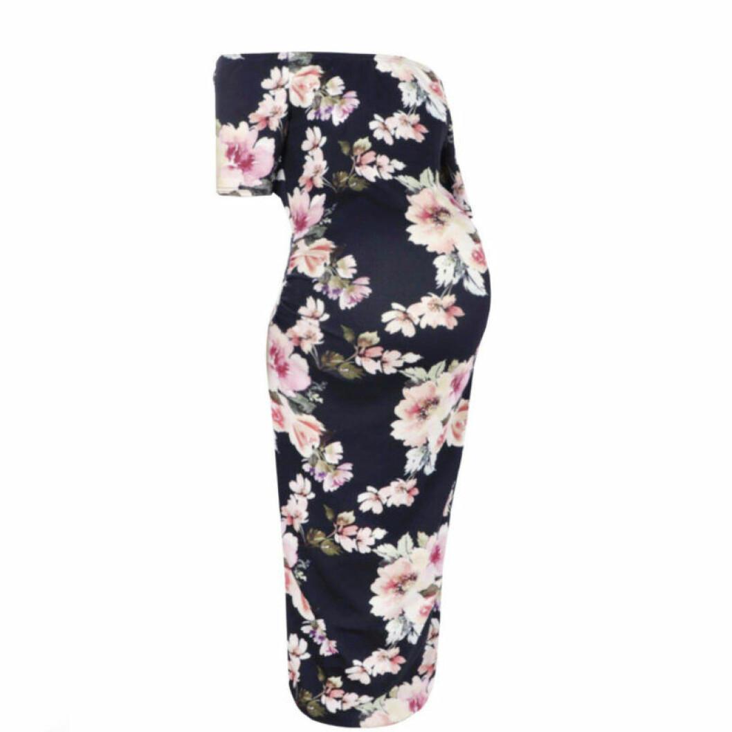 Blommig off shoulder-klänning
