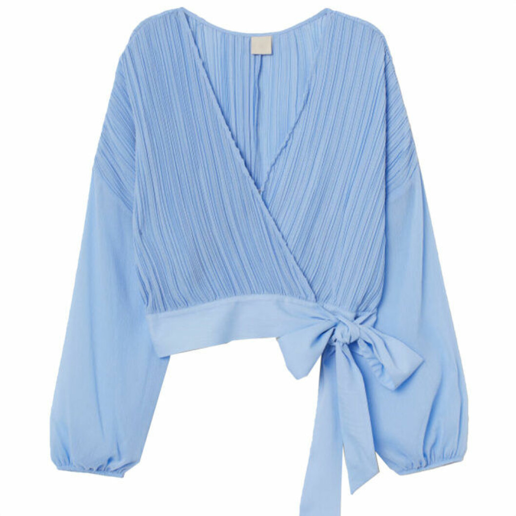 Ljusblå plisserad tröja