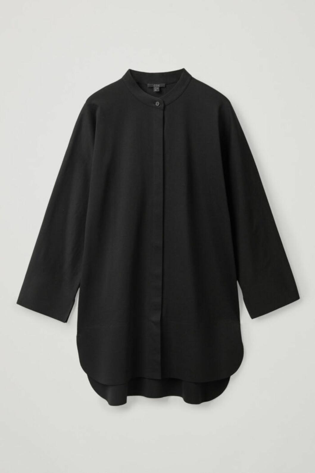 Lång svart skjorta från Cos